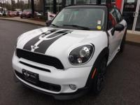 EPA 31 MPG Hwy/25 MPG City! CARFAX 1-Owner, Excellent