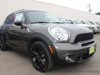 This 2014 MINI Countryman Cooper S Hatchback 4D