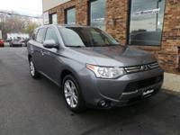 1 Owner Outlander SE 4WD with seating for 7. It is