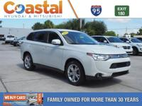 This 2014 Mitsubishi Outlander SE in features: FWD