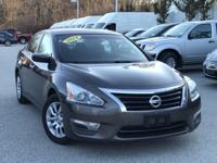 2014 Nissan Altima Brown 27/38 City/Highway MPG Clean