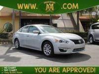 Options:  2014 Nissan Altima: The 2014 Nissan Altima