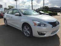 If you demand the best, this great 2014 Nissan Altima