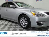 Nissan Altima 2.5 S CARFAX One-Owner. CLEAN CARFAX,