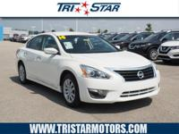 This 2014 Nissan Altima S includes a push button start,