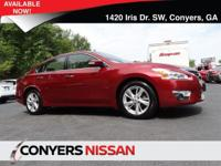 Come see this 2014 Nissan Altima 2.5 SL. Its Variable