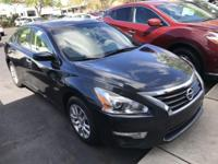 2015 Nissan Altima 2.5 S ** Gorgeous in like new