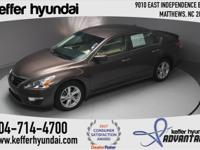One Owner, Carfax Certified, Altima 2.5 SV, 4D Sedan,