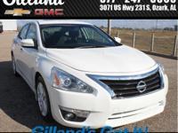 4D Sedan, 2.5L I4 DOHC 16V, CVT with Xtronic, FWD,