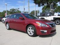 2014 Nissan Altima SV sedan** 38 MPG ** SV **  1 OWNER
