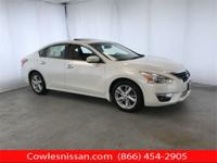 Pearl White 2014 Nissan Altima 2.5 SV FWD CVT with