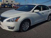 2014 Nissan Altima 4dr Car 2.5 S Our Location is:
