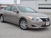 2014 Nissan Altima 4dr Car 2.5 S. Our Location is:
