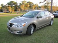 2014 Nissan Altima S. Immaculate/Pristine Condition;