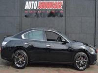This 2014 Nissan Maxima 4dr 4dr Sedan 3.5 S features a