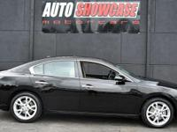 This 2014 Nissan Maxima 4dr 4dr Sedan 3.5 SV features a