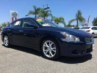 PREMIUM & KEY FEATURES ON THIS 2014 Nissan Maxima