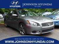 2014 Nissan Maxima 3.5 SV. Sport Package (2-Driver