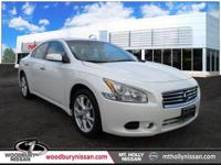 CARFAX One-Owner. Clean CARFAX. Pearl White 2014 Nissan