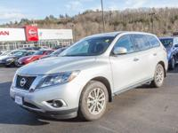2014 Nissan Pathfinder Brilliant Silver S 4 WHEEL