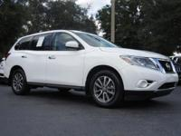 White 2014 Nissan Pathfinder S 3.5L V6 Clean CARFAX