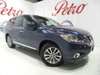 2014 Nissan PathfinderCARFAX One-Owner. Clean