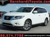 We are pleased to offer you this 2014 Nissan Pathfinder