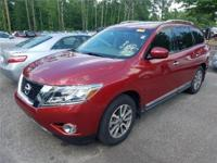 New Arrival! LOW MILES, This 2014 Nissan Pathfinder SV