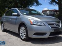 Come see this 2014 Nissan Sentra . Its transmission and