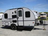 This Palomino PaloMini Lite 151KBB travel trailer