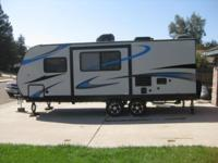2014 Pacific Coachworks Panther Widelite 21FBS Year