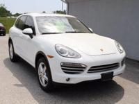 Beautiful Platinum Edition Cayenne! Back up camera,