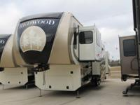 2014 REDWOOD 38FL FRONT LIVING LUXURY FIFTH WHEEL FULL