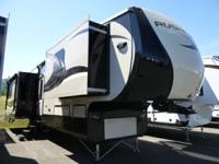 New 2014 CrossRoads RV Rushmore RF35MC Fifth Wheel -