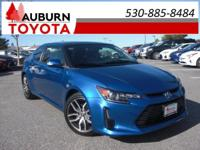 CRUISE CONTROL, LOW MILEAGE, PANORAMA ROOF! This great