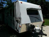 21' BUNK HOUSE SLEEPS 4 1 QUEEN 2 REAR BUNKS SELF