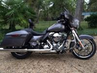 2014 Street Glide with lots of extras. For sell or