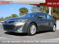 2014 Toyota Avalon Hybrid Limited, *** 1 OWNER ***