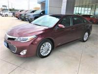 Snatch a score on this 2014 Toyota Avalon Hybrid before