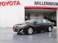This 2014 Toyota Avalon has great acceleration and