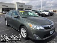 2014 Toyota Camry XLE  in Green, AUX CONNECTION, USB,