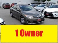 Carfax One Owner and CLEAN CARFAX. Camry L, Toyota