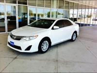 Beautiful and very clean LOW MILES 2014 CAMRY