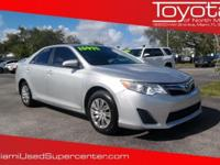 Options:  2014 Toyota Camry Se|Silver|2014 Toyota