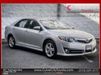 Options:  2014 Toyota Camry Se|Silver|Toyota