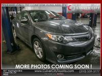 Options:  2014 Toyota Camry Se|Gray|Se