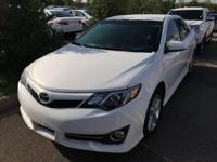 CARFAX One-Owner. NAVIGATION SYSTEM, BLUETOOTH, BACKUP