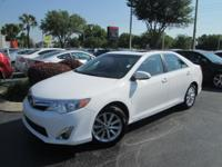 This 2014 Toyota Camry 4dr 4dr Sedan I4 Automatic XLE