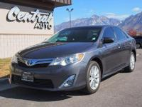 Absolutely clean, well-priced 2014 Toyota Camry Hybrid