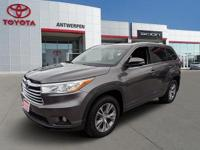 FALSE CARFAX One-Owner. Clean CARFAX. Gray 2014 Toyota